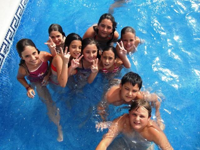 Campamentos de verano en ja n ociomagina piscina for Piscina jaen